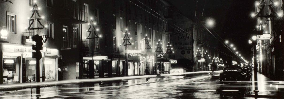 Max Otte, Harrerstraße im Weihnachtsschmuck